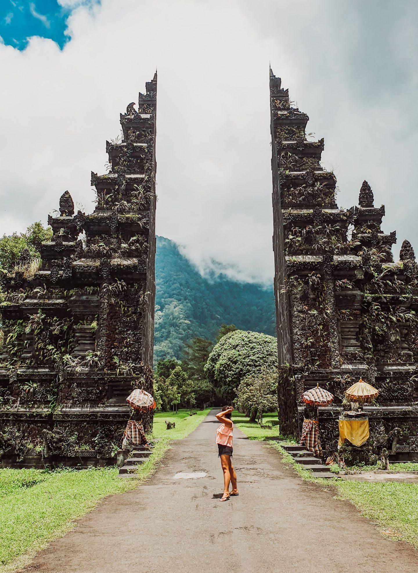 Guia para Ulun Danu Bratan Temple & Handara Gate